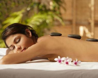 Preparação da pessoa para a técnica de massagem tailandesa