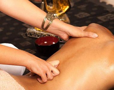 Exemplo de manobra da sessão de massagem ayurvedica