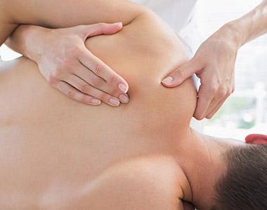 Exemplo de manobra da técnica de massagem desportiva